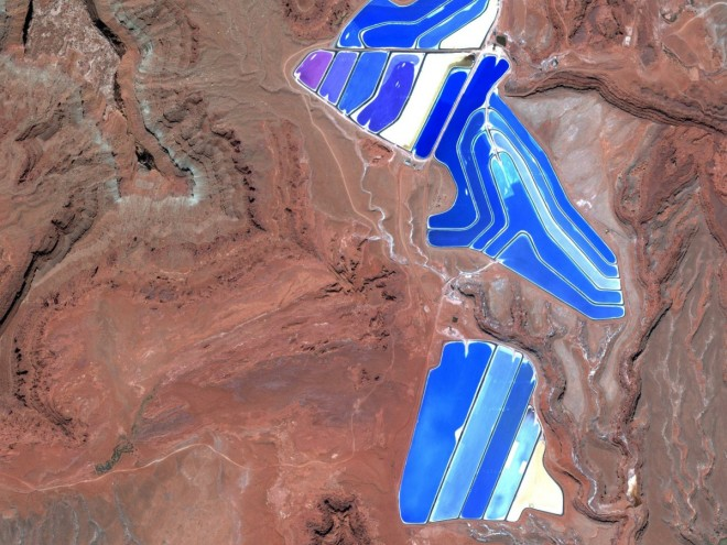 source: http://www.wired.com/2014/06/19-breathtaking-patterns-found-on-earths-surface-using-google-earth/