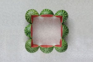 source: http://www.thisiscolossal.com/2012/10/the-geometric-food-art-of-sakir-gokcebag/