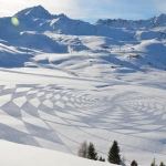 source:  http://www.thisiscolossal.com/2012/12/new-trampled-snow-art-from-simon-beck/